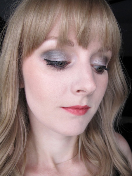 Benefit They're Real! Push-Up Liner on Face