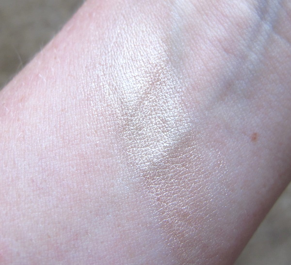 Kryolan for Glossybox Highlighter in Cashmere Swatch