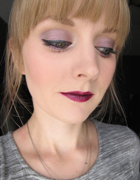 Marsk Mineral Eye Shadow in Orchid Glow on Face