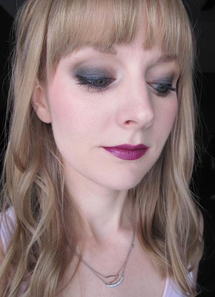 Urban Decay Naked2 Basics Eyeshadow Palette in Skimp, Frisk, and Undone