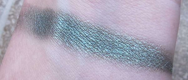 MicaBeauty Mineral Eye Shadow Swatch in Harlequin