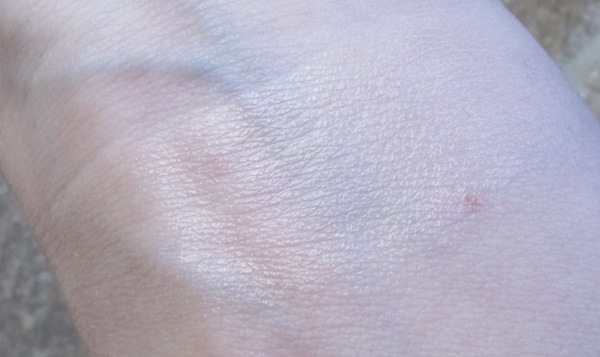 TEMPTU S/B Highlighter Swatch in Pink Pearl