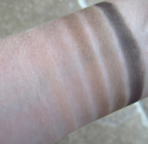 Urban Decay Naked2 Basics Eyeshadow Palette Swatches