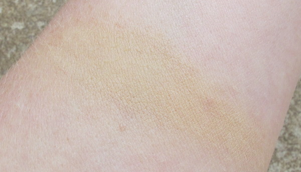 Marsk Mineral Foundation Swatch in Nude