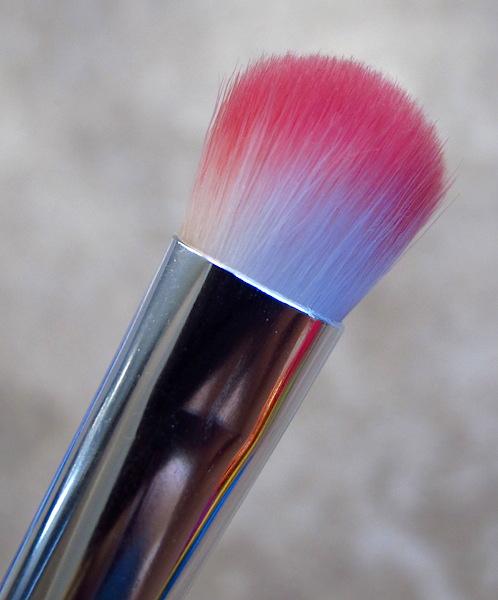 Elizabeth Mott All Over Shadow Brush $9.99 value