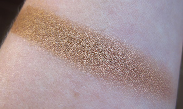 Pacifica Natural Mineral Coconut Eye Shadow Swatch in Treasure