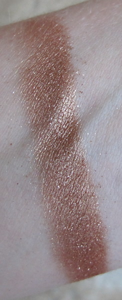 theBalm Cosmetics NUDE Dude Eyeshadow Single Swatch in Fit